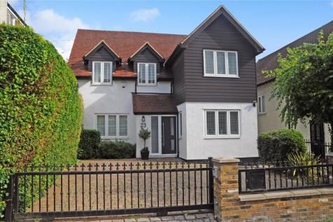 Church Hill, Loughton, Essex, IG10. 4 bedroom detached house