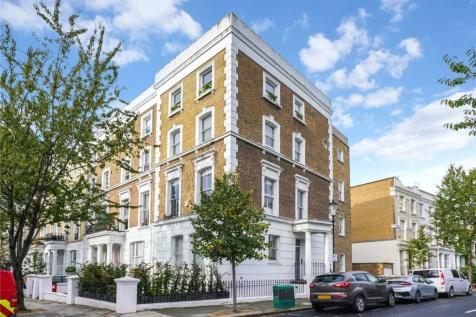 Blenheim Crescent, London, W11. 3 bedroom maisonette