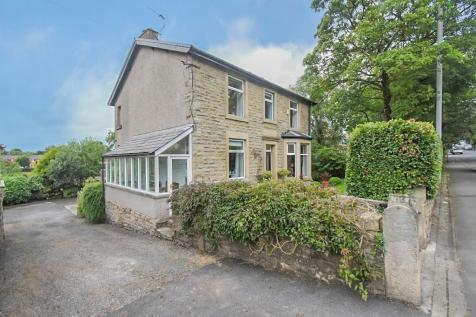 Whalley Road, Wilpshire. 4 bedroom detached house