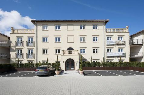 Canford Cliffs Road, Poole. 2 bedroom apartment