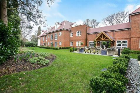Langton House, Westhall Road, Warlingham. 2 bedroom apartment
