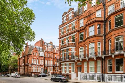 Egerton Gardens, London, SW3. 2 bedroom flat