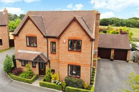Ash Grove, Bradfield Southend, Reading, Berkshire, RG7. 4 bedroom detached house