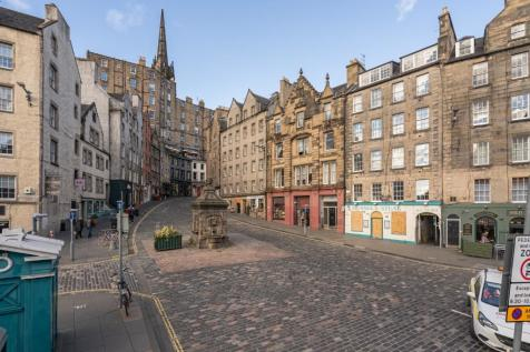 112B/2 West Bow, Edinburgh, EH1 2HH. 2 bedroom flat for sale