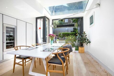 Lamont Road, Chelsea, London, SW10. 4 bedroom terraced house for sale