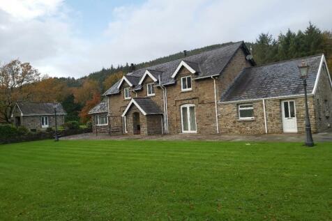 Aberclwyd Farm Resolven, Neath, Neath Port Talbot, SA11 4DU. House for sale