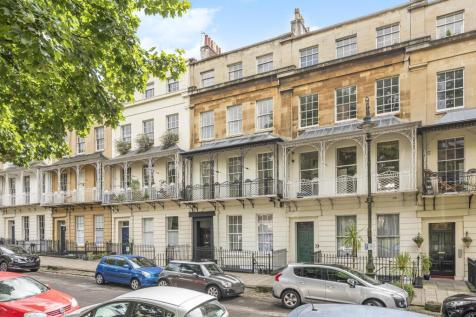 Caledonia Place, Clifton, Bristol, BS8. 16 bedroom terraced house