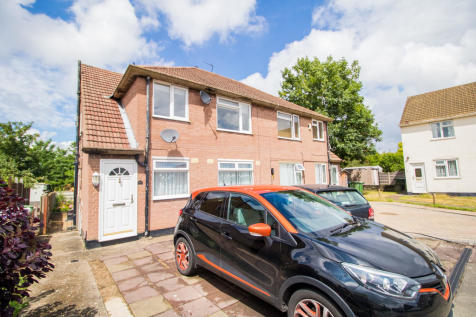 Burr Close, Bexleyheath. 2 bedroom maisonette