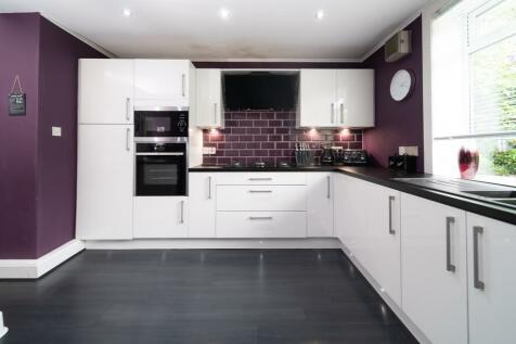 Drumshantie Road, Gourock, Renfrewshire, PA19. 3 bedroom detached house