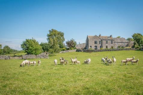 Exciting and diverse opportunity - 16 bedrooms split between 5 properties. 16 bedroom farm house