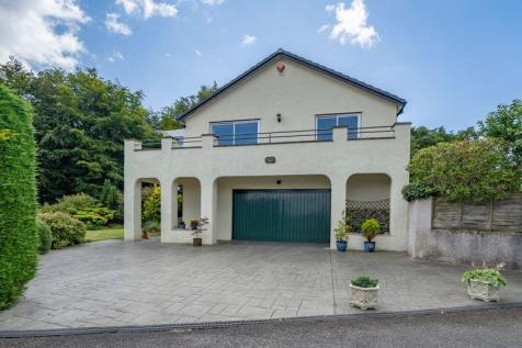 Stunning property with exquisite views. 4 bedroom detached house for sale