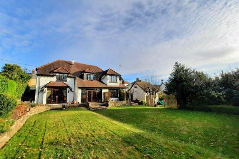 The Highway, New Inn. 4 bedroom detached house for sale