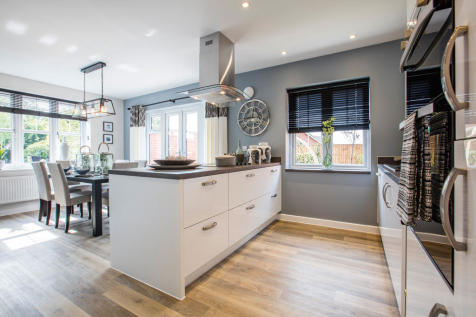 Off Witney Road, Kingston Bagpuize,  Oxfordshire  OX13. 3 bedroom detached house