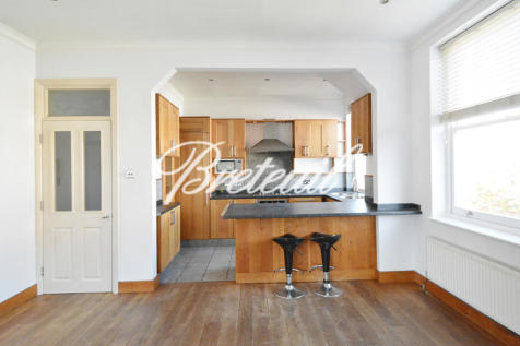 Fulham Road, London, SW6. 2 bedroom apartment