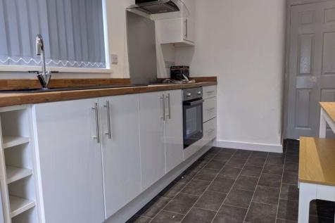 Clifton Street, Middlesbrough. 4 bedroom terraced house
