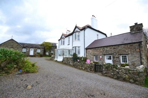 Moylegrove. 6 bedroom country house for sale