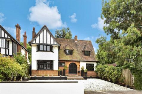 Cranes Drive, Surbiton, KT5. 4 bedroom detached house for sale