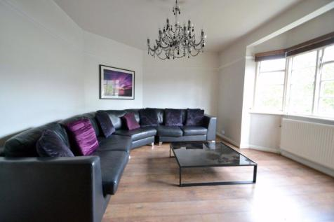 FANTASTIC TWO BED IN STUNNING LOCATION. 2 bedroom flat