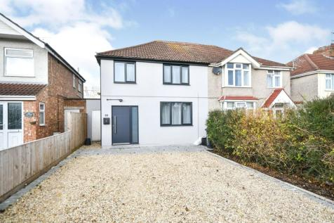 Stratton Road, Swindon. 3 bedroom semi-detached house for sale