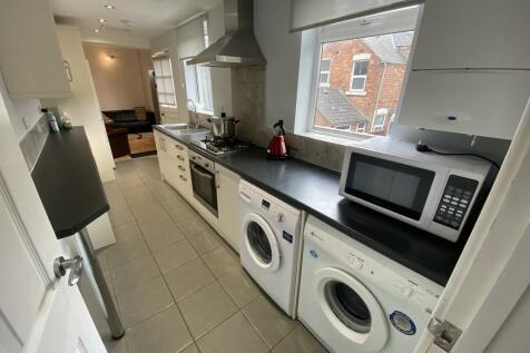 Howe Street, Derby. 4 bedroom house share