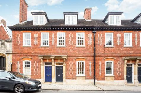 Windsor, Berkshire, SL4. 3 bedroom town house for sale