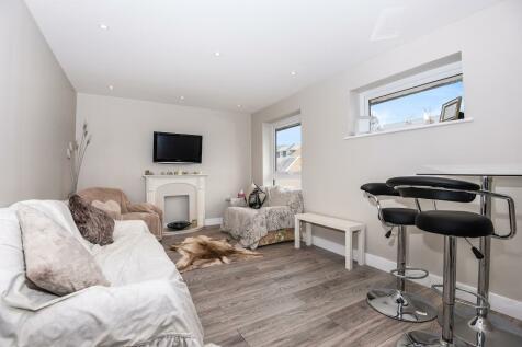 Alma Road, Windsor, SL4. 2 bedroom apartment