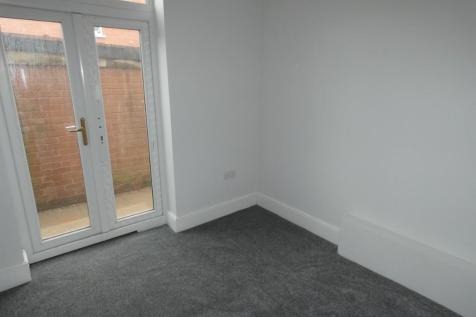 Egerton Road, Blackpool, Lancashire, FY1. 1 bedroom flat