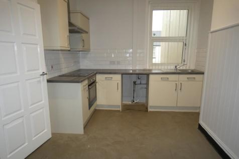 Lytham Road, Blackpool, Lancashire, FY1. 3 bedroom maisonette
