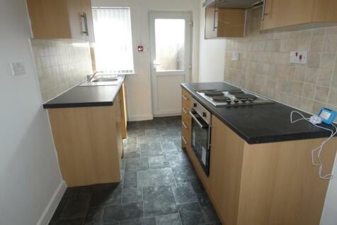 George Street, Blackpool, Lancashire, FY1. 2 bedroom ground floor flat