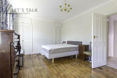 Richford Street, Hammersmith, London, W6. 3 bedroom apartment