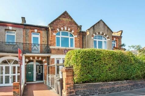 Stondon Park, Brockley, London, SE23. 3 bedroom maisonette for sale