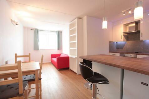 Ericcson Close. 3 bedroom flat