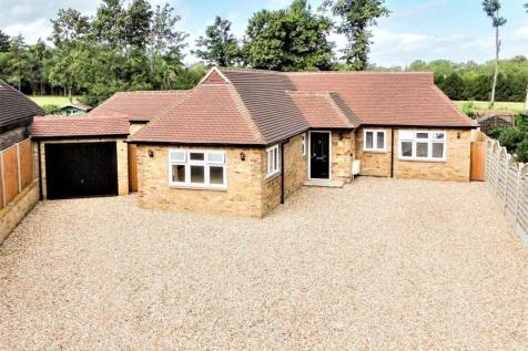 Gilhams Avenue, Banstead, Surrey, SM7. 4 bedroom bungalow for sale