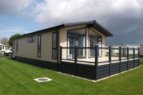 New Forest Lodge Retreat Milford-on-Sea Hampshire SO41. 2 bedroom lodge