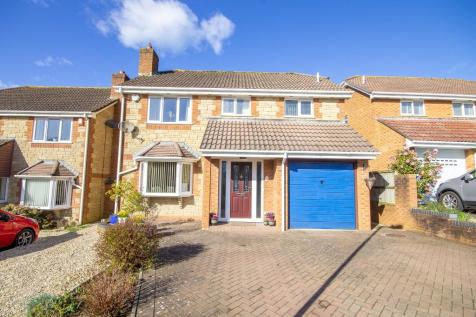 Nathan Close, Yeovil, Somerset VIDEO TOUR AVAILABLE!. 4 bedroom detached house