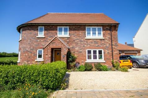 Southfield Drive, BRIMSMORE, Yeovil, Somerset, VIDEO TOUR AVAILABLE!. 4 bedroom detached house