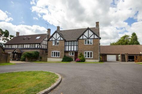 Oakridge Park, Yeovil, Somerset VIDEO TOUR AVAILABLE!. 4 bedroom detached house