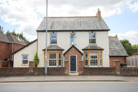 Preston Grove, Yeovil, Somerset VIDEO TOUR AVAILABLE!. 5 bedroom detached house