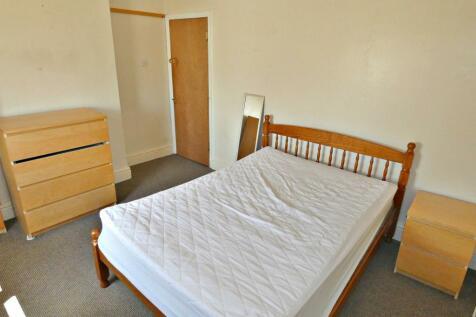 Lansdowne Road; Hartshill; ST4. 1 bedroom house share