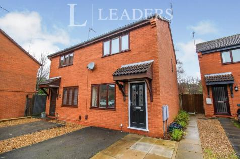 Cherry Orchard, Kenilworth, Warwickshire, CV8. 2 bedroom semi-detached house