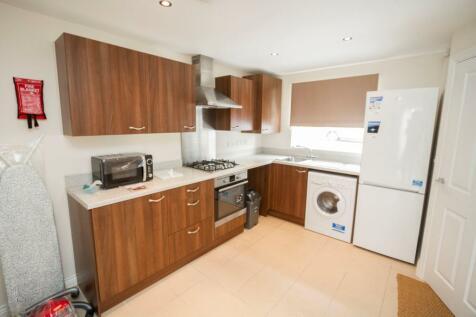 Cherry Tree Drive, Coventry, CV4. 4 bedroom apartment