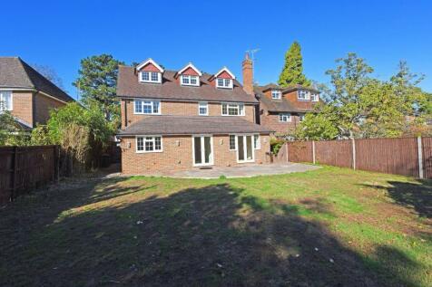 Walton On Thames, Surrey. 6 bedroom detached house