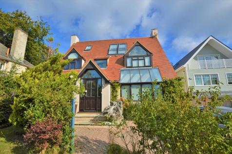 Elms Avenue, Lilliput. 5 bedroom detached house