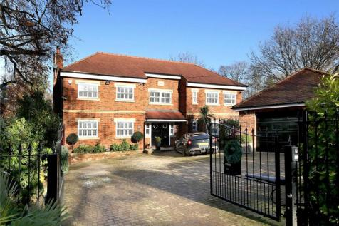 Fulmer Drive, Gerrards Cross, Buckinghamshire, SL9. 6 bedroom detached house for sale