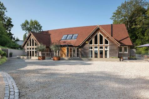 Harvest Hill, Bourne End, Bucks, SL8. 5 bedroom detached house for sale