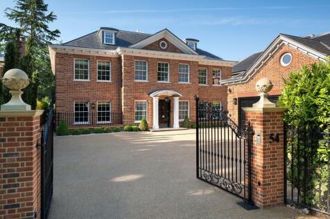 Ledborough Lane, Beaconsfield, Buckinghamshire, HP9. 5 bedroom detached house for sale