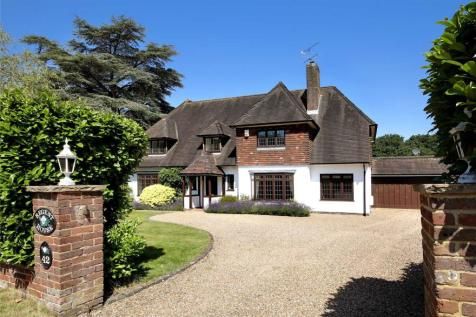 Camp Road, Gerrards Cross, SL9. 4 bedroom detached house for sale