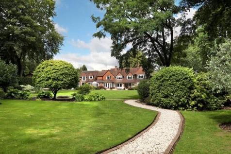 Church Road, Penn, High Wycombe, Buckinghamshire, HP10. 7 bedroom detached house for sale