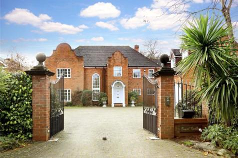 Burkes Crescent, Beaconsfield, Bucks, HP9. 6 bedroom detached house for sale
