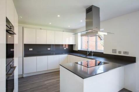 Highlands Lane, Rotherfield Greys, RG9. 5 bedroom detached house for sale